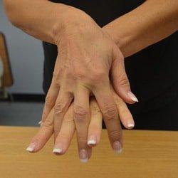 dezinfectarea-spațiilor-dintre-degete