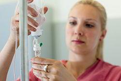 schimbarea-flaconului-pungii-cu-solutie-perfuzabila